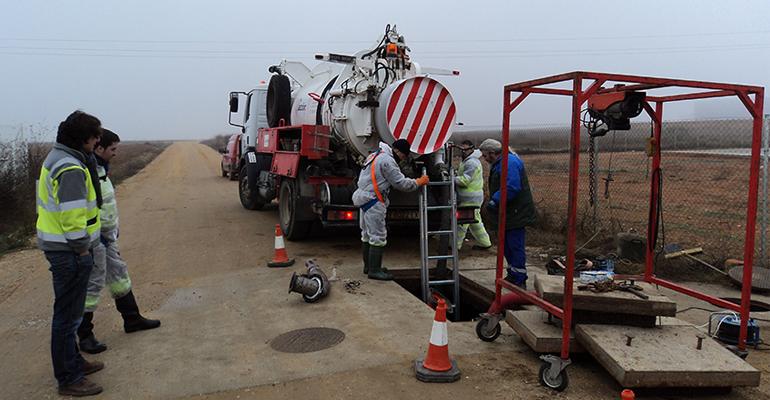 Acciona limpia y desinfecta los depósitos municipales de agua en Toro