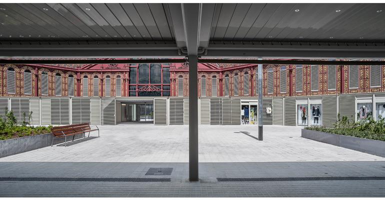 La remodelación del Mercado de Sant Antoni mejora su drenaje de aguas pluviales y residuales