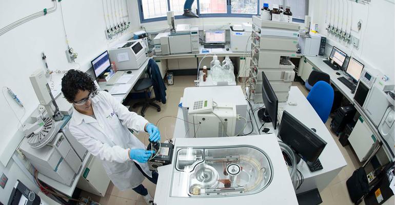 agqlabs-adquiere-laboratorios-lambda-medio-ambiente
