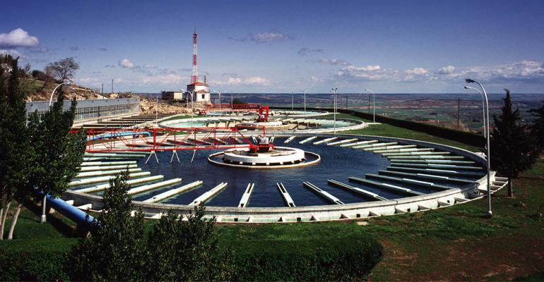 Eficacia y estabilidad de la monocloramina como desinfectante en el agua potable