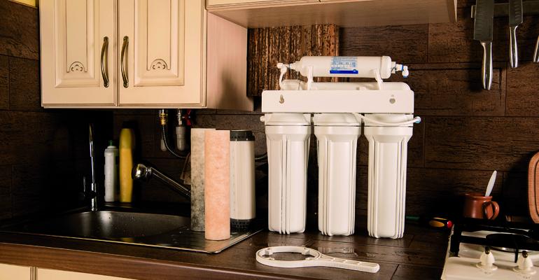 articulo-tecnico-aparatos-tratamiento-agua-interior-edificios-norma-une