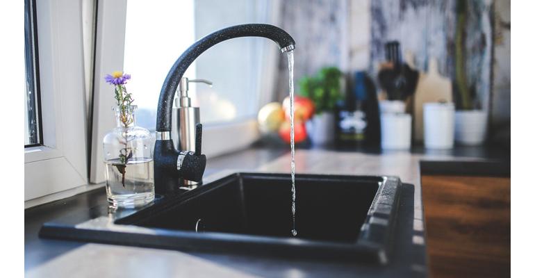 Un estudio de la Cátedra Aguas de Valencia mejora la detección y prevención de incidencias en el consumo de agua de los usuarios no residenciales