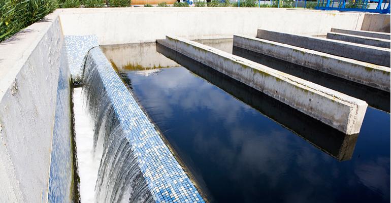 Estación depuradora de aguas residuales de una empresa cerámica