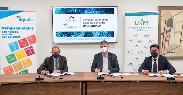 Firma del acuerdo entre Aqualia y UAM sobre investigación de cianobacterias en saneamiento