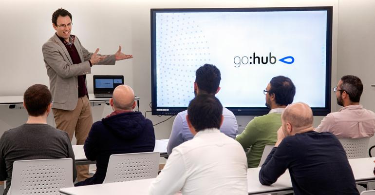go-hub-global-omnium-potenciar-talento-conocimiento-inteligencia-artificial