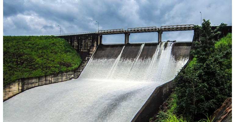 El resalto hidráulico en una gran presa es objeto de investigación del IIAMA