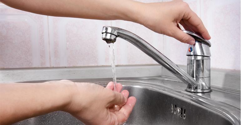 ine-aumenta-consumo-precio-agua-espanya