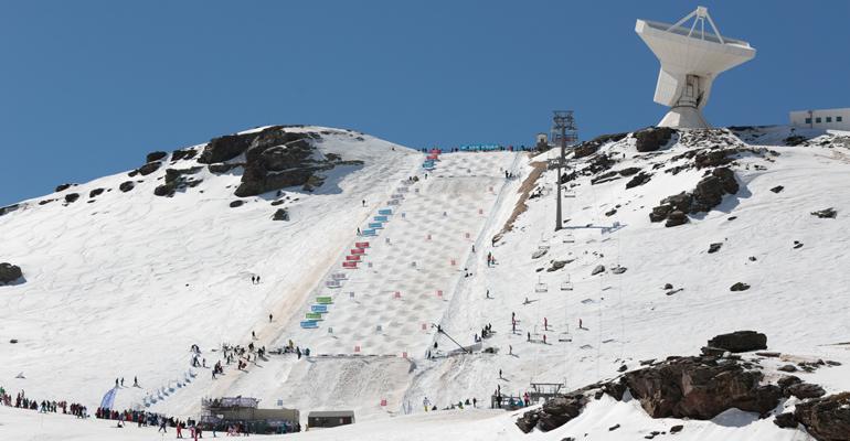 saint-gobain-participa-renovacion-red-nieve-sierra-nevada