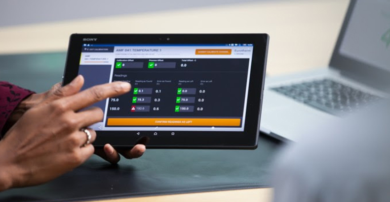 Schneider Electric: Plataforma digital para gestionar equipos industriales